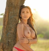 Gorgeous TS Emerald - Transsexual adult performer in Bangkok Photo 4 of 27