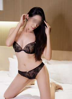 Emily independent - escort in Bangkok Photo 3 of 10