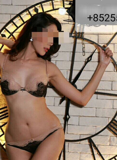 Emily independent - escort in Bangkok Photo 5 of 10