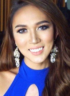 Emily03 - Transsexual escort in Manila Photo 3 of 5