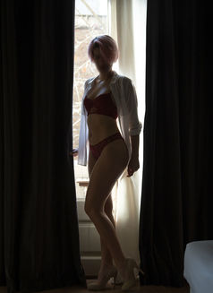 Emma Rose - escort in Barcelona Photo 4 of 7
