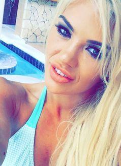 English blonde Aurora Ryder - escort in Dubai Photo 6 of 8
