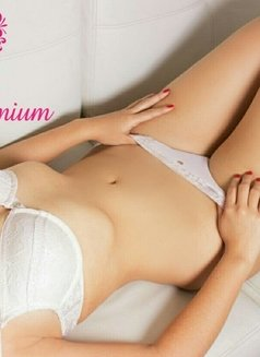 Eros Premium - escort agency in Bogotá Photo 8 of 10