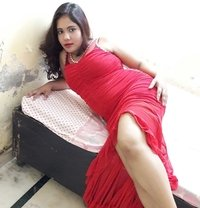 Eshita Arora in South Delhi - escort in New Delhi