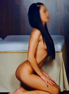 Ester - escort in Prague (Praha) Photo 1 of 3