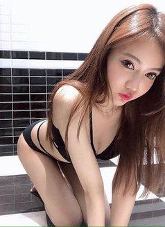 Eun Ji - escort in Singapore Photo 6 of 6
