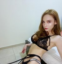 Experience Services Jessy - Transsexual escort in Dubai Photo 1 of 7