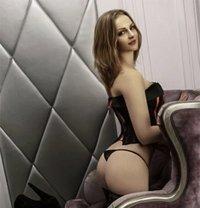 Faye - escort in London