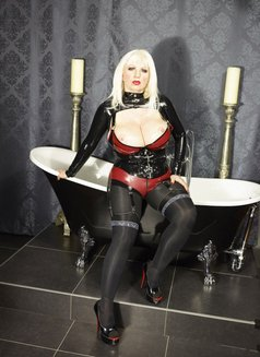 Fetishlady Marissa - dominatrix in Sydney Photo 6 of 12