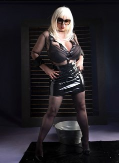 Fetishlady Marissa - dominatrix in Sydney Photo 7 of 12