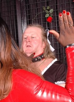 France Black Mistress - Madame Darkness - dominatrix in Cannes Photo 10 of 16