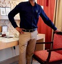 Fun With Imon - Male escort in Mumbai Photo 2 of 5