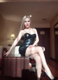 Functional shemale mistress ladyboy TS - Transsexual escort in Abu Dhabi Photo 26 of 30
