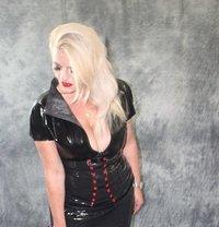 German Mistress Silke - dominatrix in Dublin