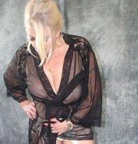 German Mistress Silke - dominatrix in Belfast