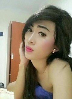 Gisca - Transsexual escort in Jakarta Photo 3 of 5