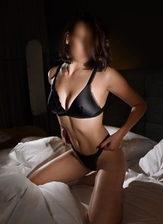 Giselle Mille - escort in Montreal Photo 3 of 8