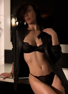 Giselle Mille - escort in Montreal Photo 6 of 8
