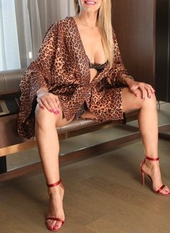 Gloria Lily - Passion and Style - dominatrix in Dubai Photo 13 of 15
