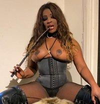 Glorina - escort in London