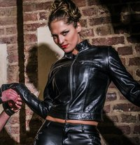 Goddess Anastaxia - dominatrix in Geneva