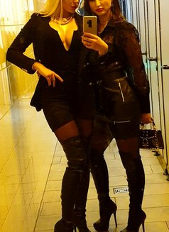 GODDESS LADY SKOTIA & MISTRESS JEANETTE - dominatrix in Geneva Photo 9 of 11