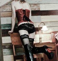 Goddess Xenia From Singapore - dominatrix in Milan