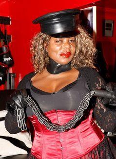 Dionne Black - companion in London Photo 1 of 2