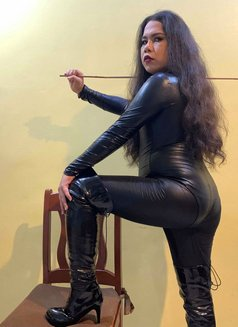 Goddess Scarlet - Transsexual dominatrix in Cebu City Photo 1 of 9