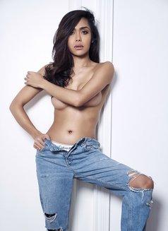 Señorita Ivy - Transsexual escort in Shanghai Photo 2 of 15