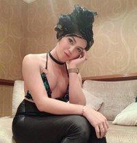 Gwafa Crossdresser/both - Transsexual escort in Dubai