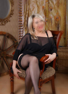Russian Milf A level - escort in Dubai Photo 1 of 8