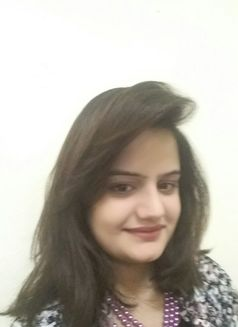 Hania Indian Escort in Dubai - escort agency in Dubai Photo 1 of 6
