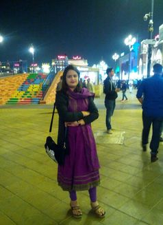 Hania Indian Escort in Dubai - escort agency in Dubai Photo 2 of 6