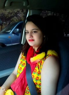 Hania Indian Escort in Dubai - escort agency in Dubai Photo 3 of 6