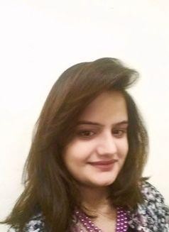 Hania Indian Escort in Dubai - escort agency in Dubai Photo 5 of 6