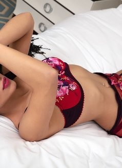Hanna - Transsexual escort in Moscow Photo 9 of 10