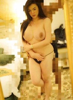 Ur Porno Diva - Transsexual escort in Abu Dhabi Photo 8 of 21