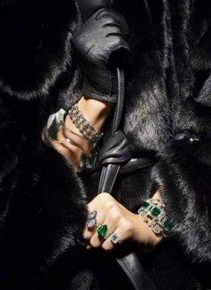 Harper Bizaar Luxury BDSM - dominatrix in Wrocław Photo 1 of 7