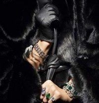 Harper Bizaar Luxury BDSM - dominatrix in Wrocław