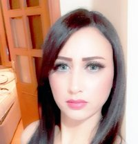 Hasna - escort in İstanbul Photo 4 of 5