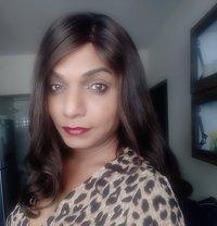 Hazeldom69 - Transsexual dominatrix in Pune