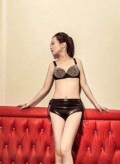 Helen - escort in Beijing Photo 5 of 5