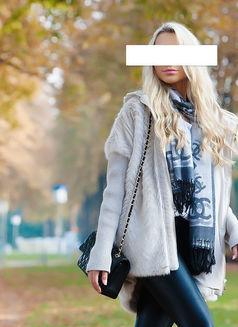 Helenaa danish - escort in Paris Photo 4 of 11