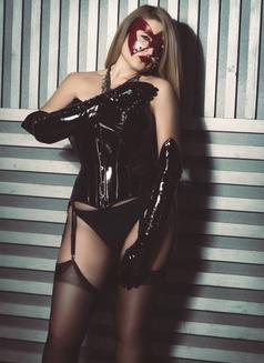 Dubai Fetish BDSM Mistress Nuar - dominatrix in Dubai Photo 19 of 30