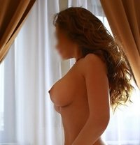 Holly - escort in Prague (Praha)