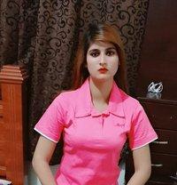 Hot Aarti Singh - escort in Abu Dhabi