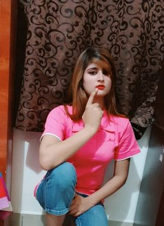 Hot Aarti Singh - escort in Abu Dhabi Photo 3 of 8