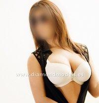 Hot Spanish Girl Natural Boobs - escort in Al Manama