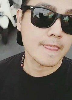 JULIANOO - Male escort in Jakarta Photo 3 of 5